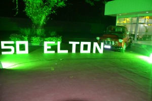 elton_capa